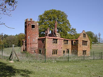 Sixteenth Century And Later Hunting Lodge Badby SP570579
